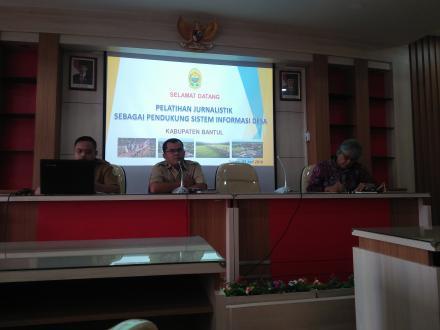 Pelatihan Jurnalistik Sebagai Pendukung Sistem Informasi Desa