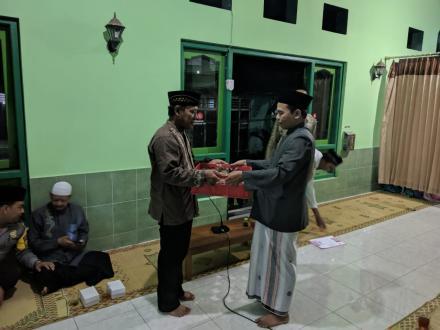 Safari Tarawih di Masjid Cholil Mansyuri Deresan