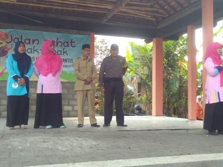 Jalan sehat anak-anak TK Gugus 5 Kecamatan Bantul