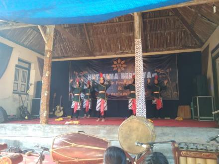 Parade Kesenian di Dusun Gemahan