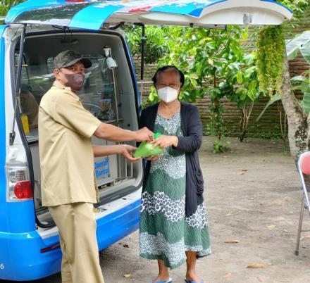 Mobil keliling Pembayaran PBB di Deresan